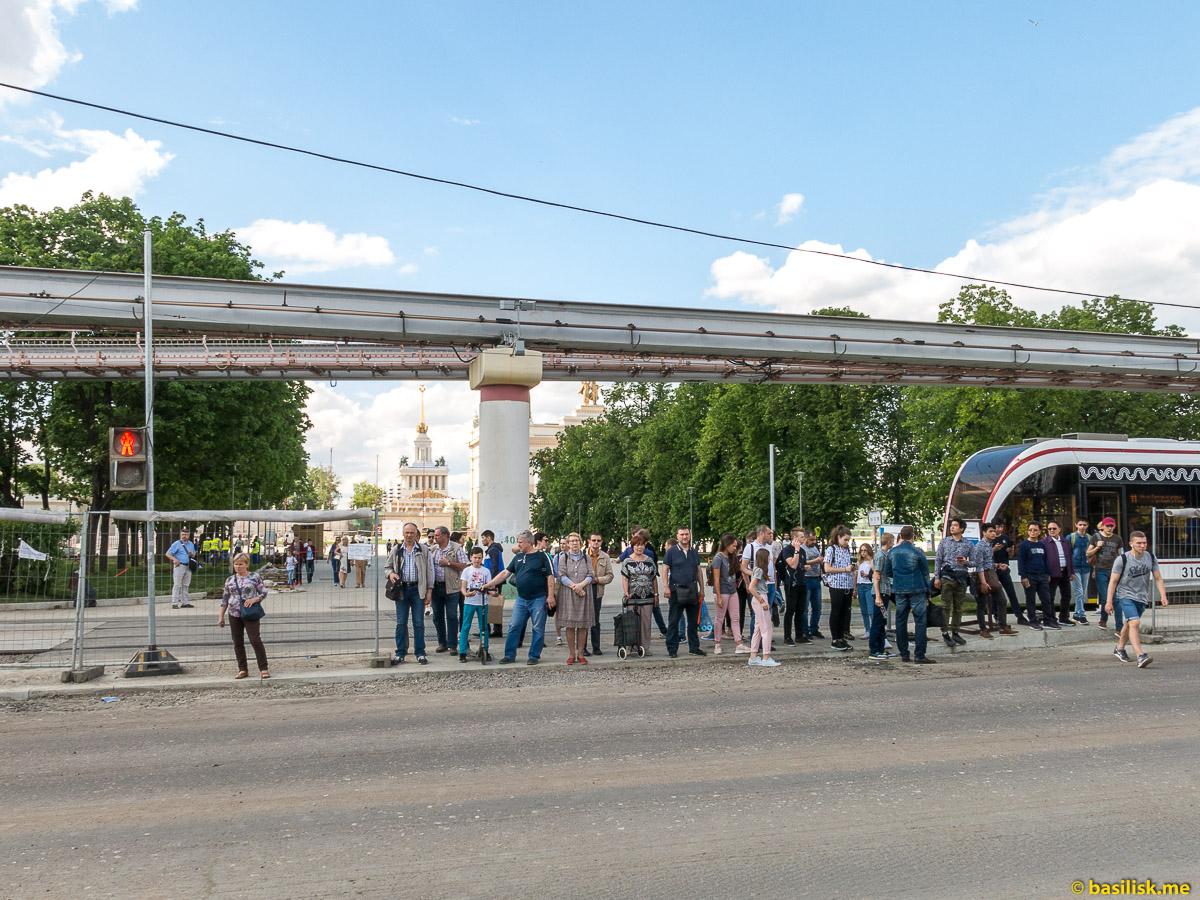 Переход Продольного проезда. Проспект Мира. ВДНХ. Москва. Май 2018