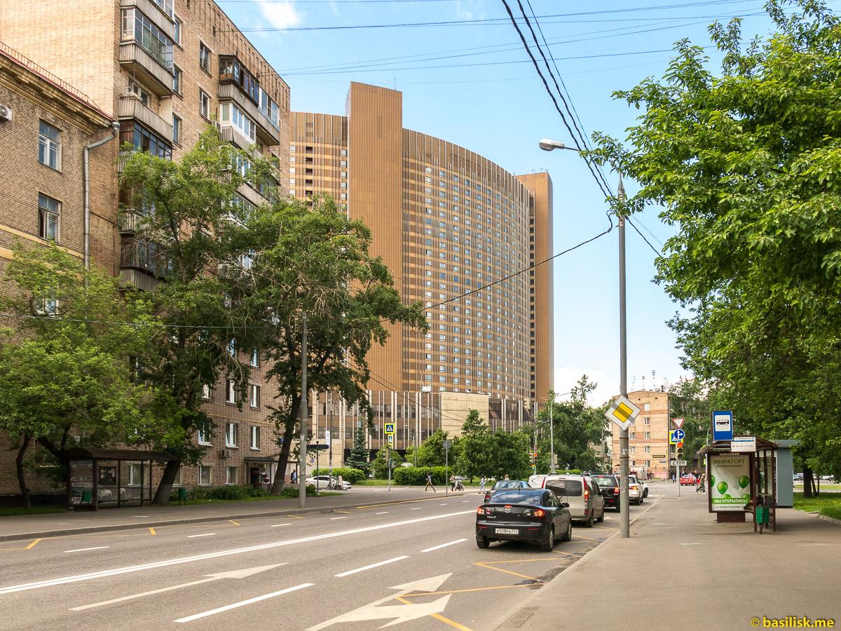 Советские дома на Ярославской улице. Москва. Май 2018