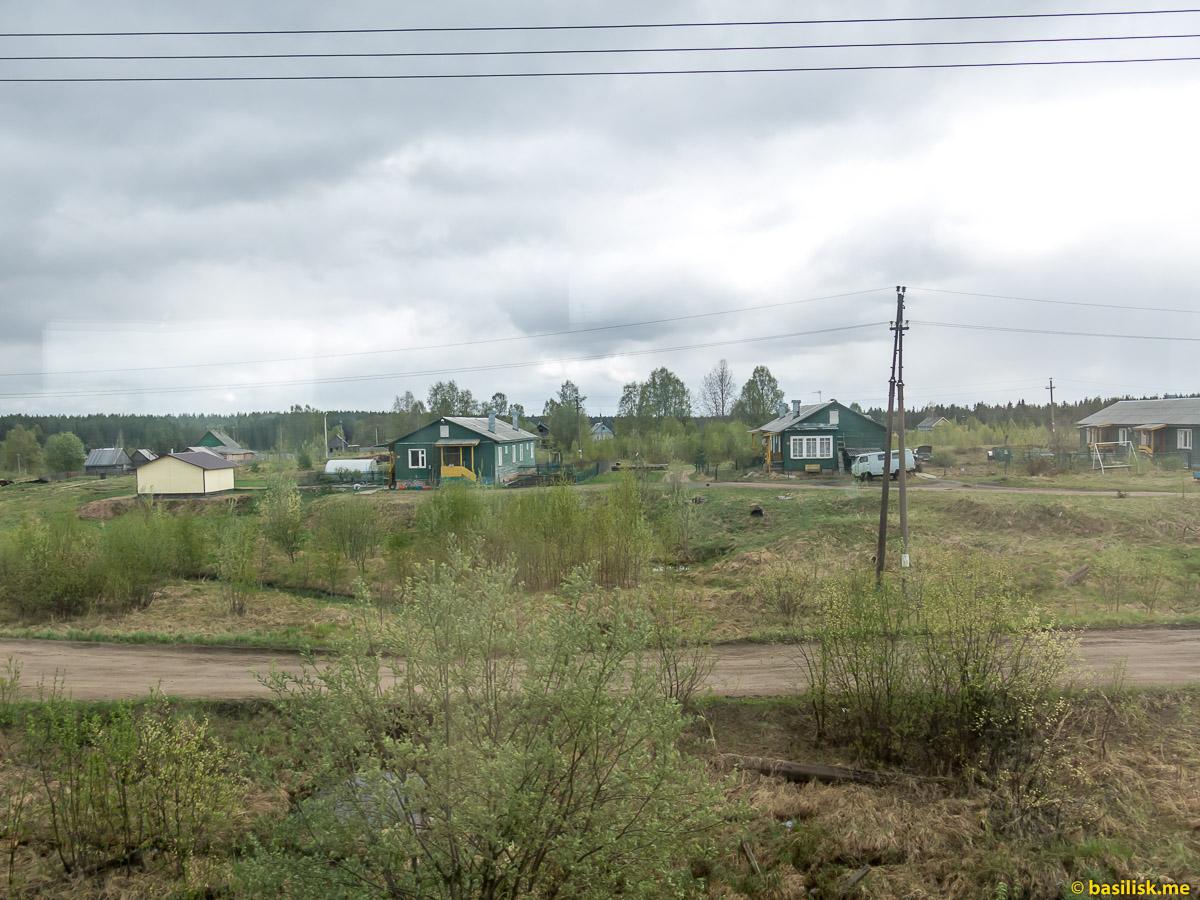 Посёлок Мудьюга. Поезд 6513 Вонгуда - Обозерская. Архангельская область. Май 2018