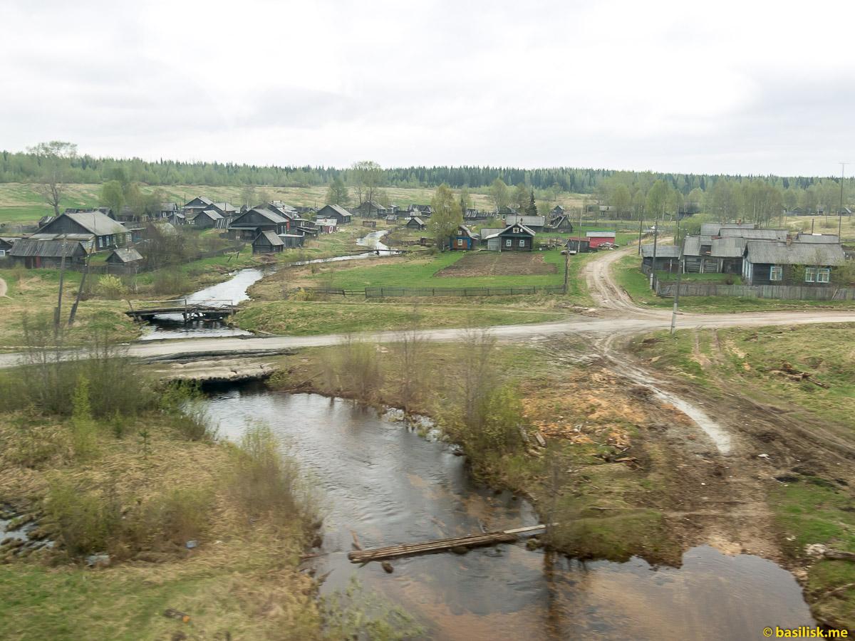 Поезд 6513 Вонгуда - Обозерская. Архангельская область. Май 2018