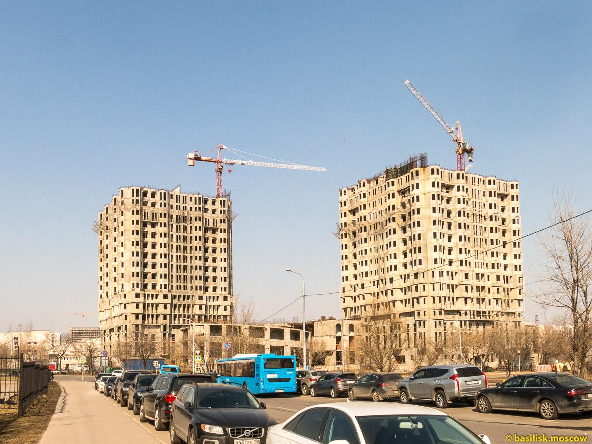 Окрестности станции метро Юго-Западная. Москва. Апрель 2018