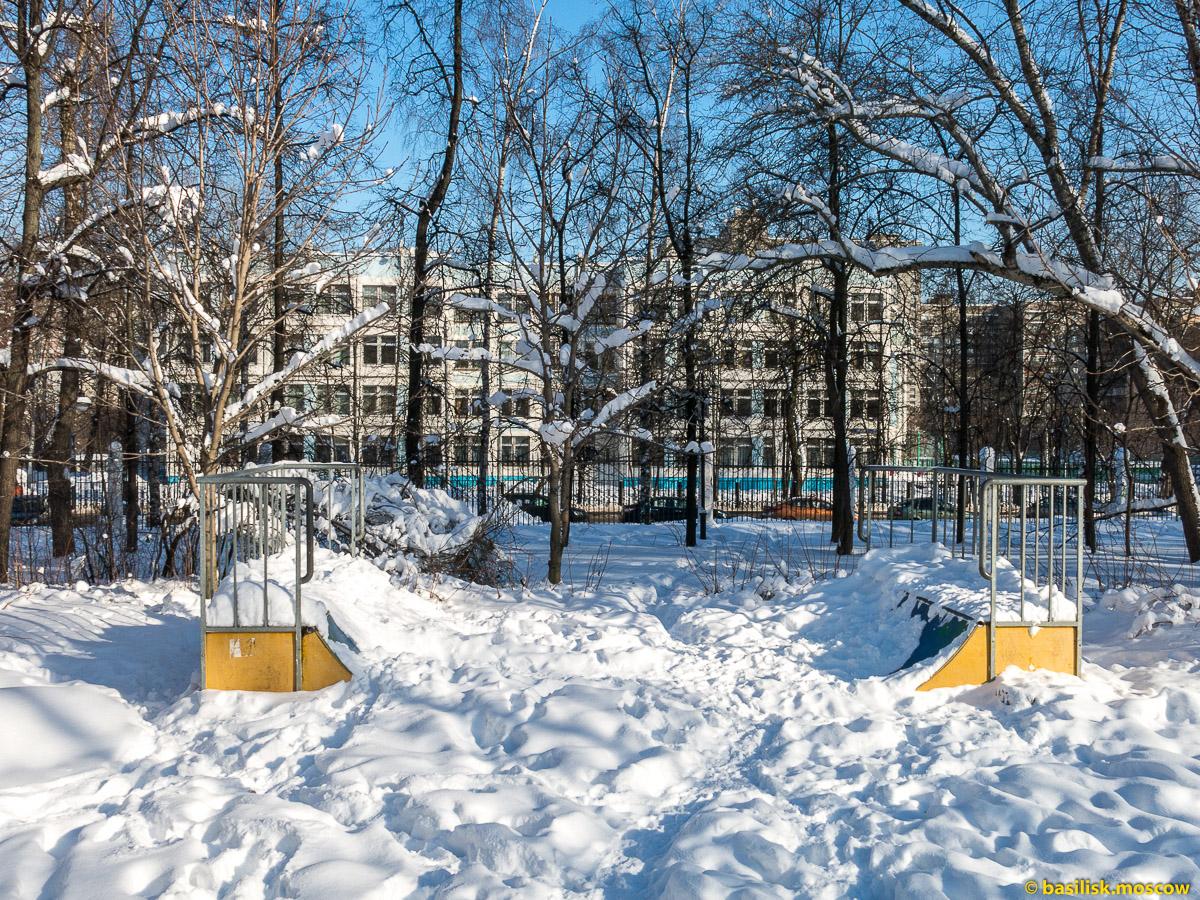 Парк Воровского. Метро Войковская. Москва. Февраль 2018