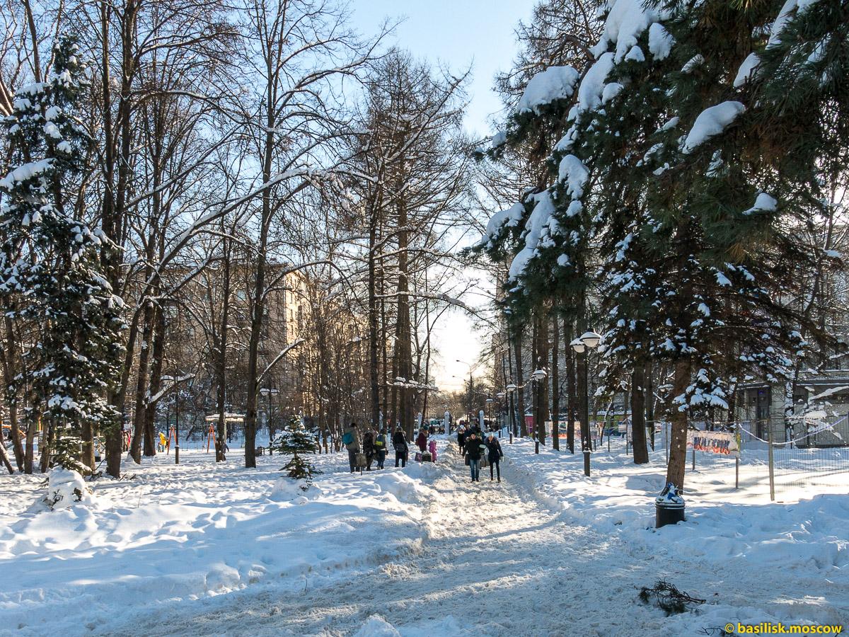 Парк Воровского рядом с метро Войковская. Зимняя Москва. Февраль 2018