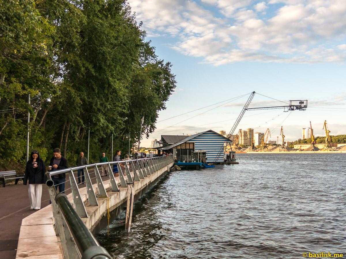 Воднолыжная станция на Химкинском водохранилище. Москва. Август 2018
