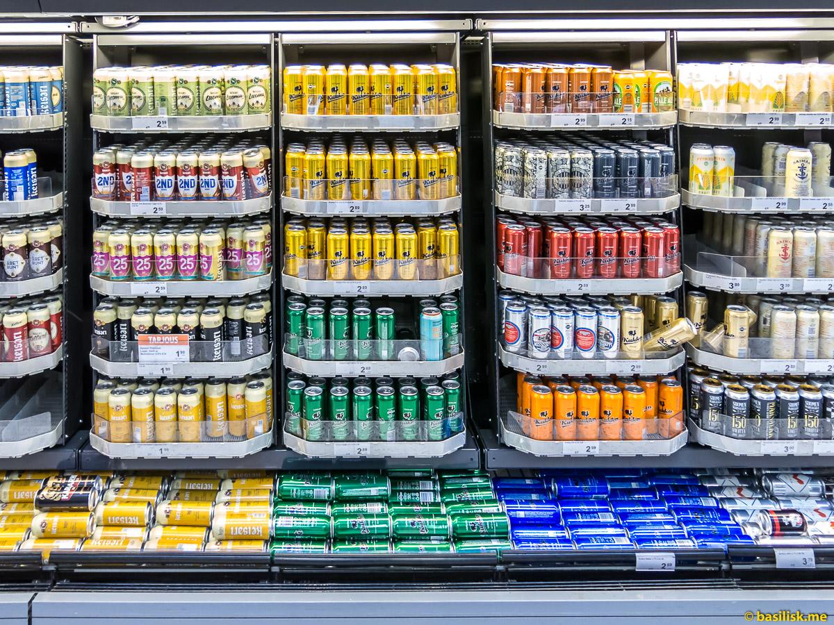 K-Supermarket в торговом центре Kamppi Helsinki. Хельсинки. Январь 2018
