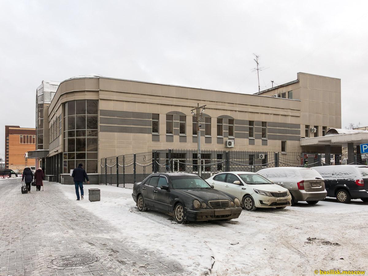 Автовокзал на набережной Обводного канала. Петербург. Январь 2018