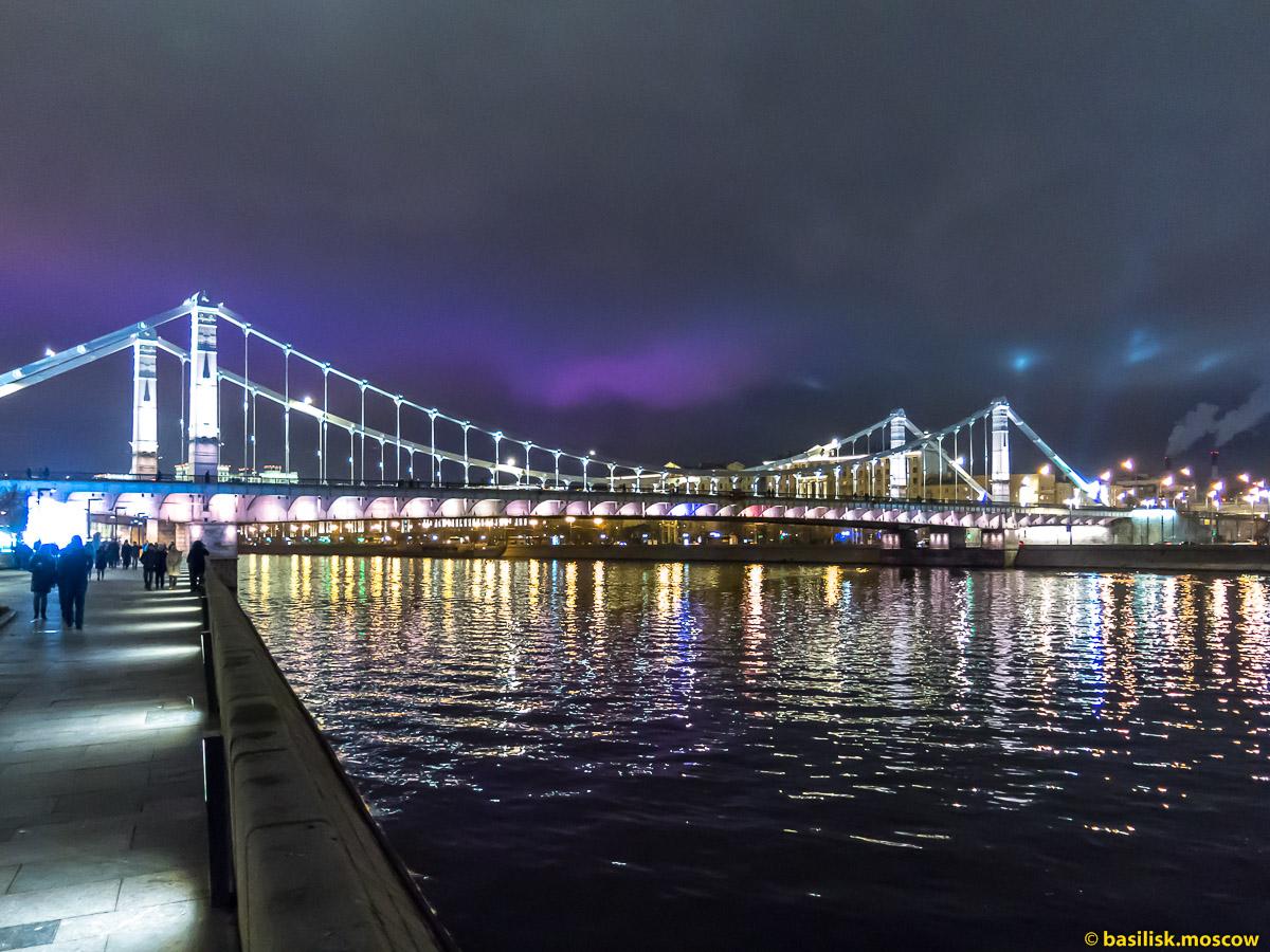 Набережная реки Москвы в новогоднюю ночь. 1 января 2018