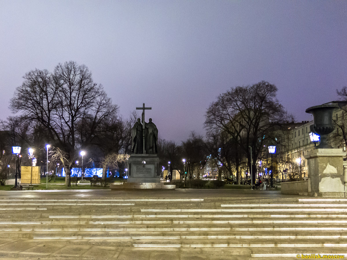 Новогодний Ильинский сквер. Китай-город. Москва. Декабрь 2017