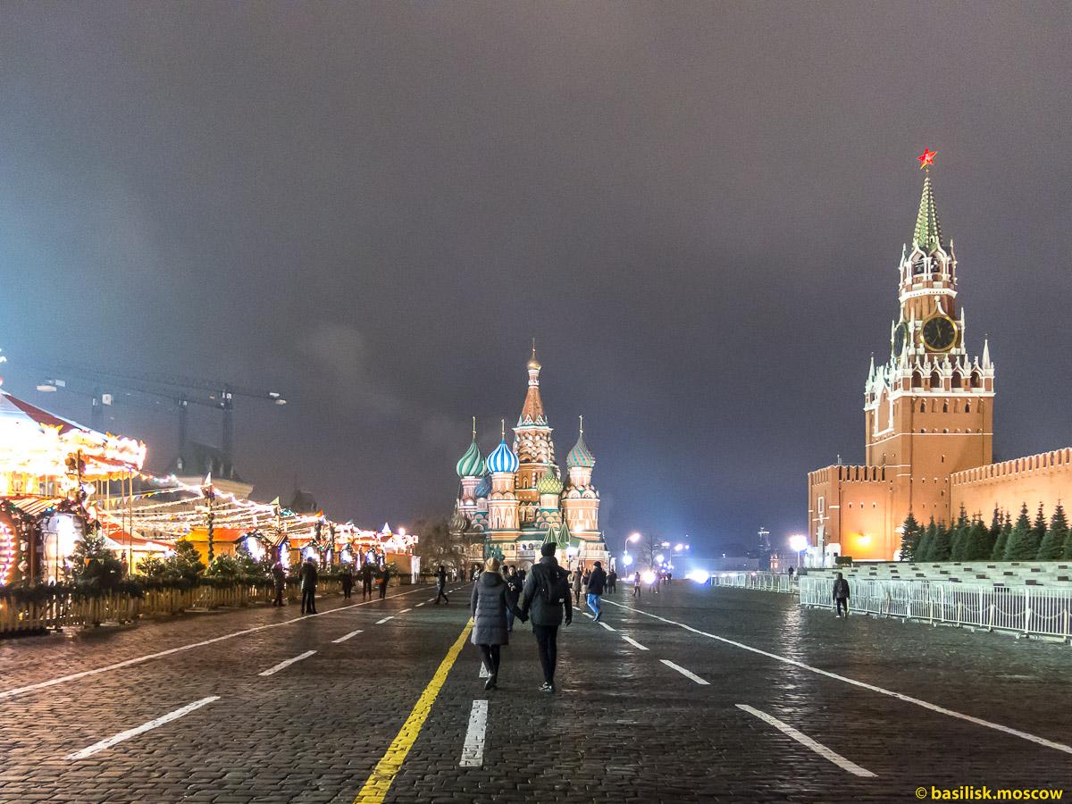 Красная площадь. Гум-каток. Новогодняя Москва. Декабрь 2017