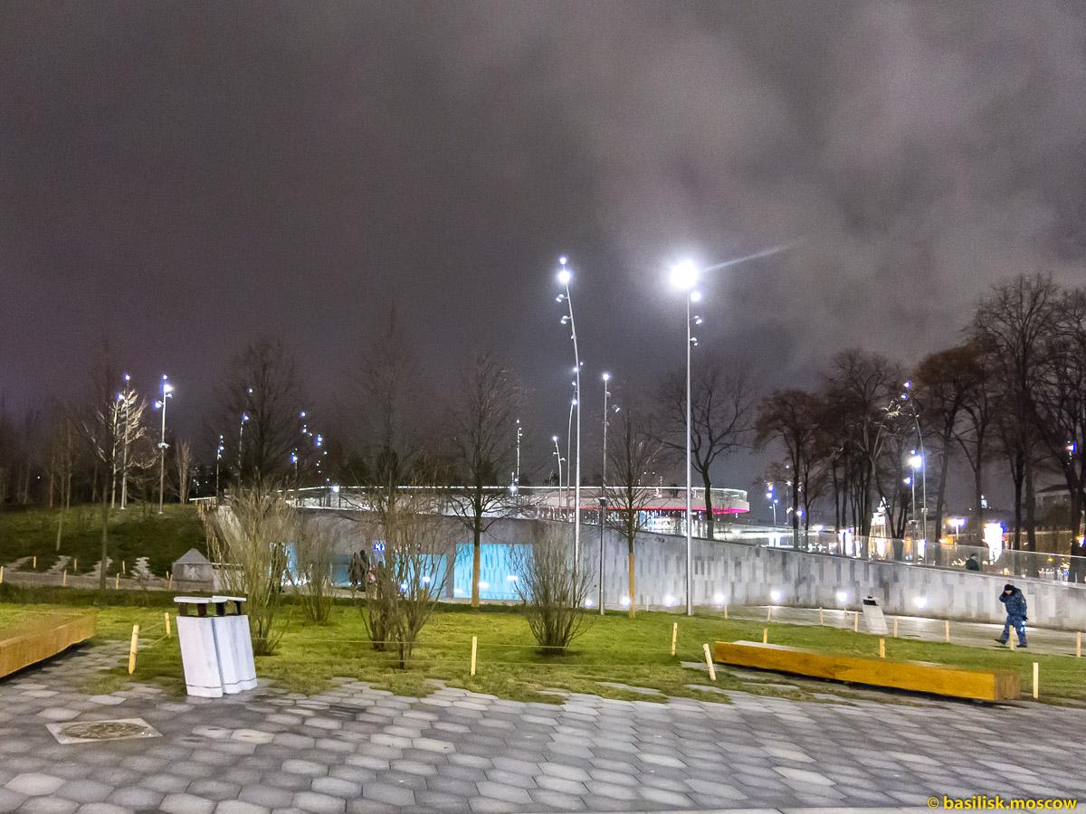 Павильон парка Зарядье. Васильевский спуск. Новогодняя Москва. Декабрь 2017