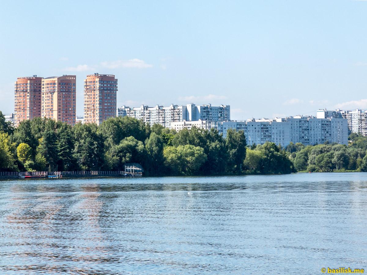 Строгино. Лесопарк-остров Серебряный Бор. Москва. Август 2018