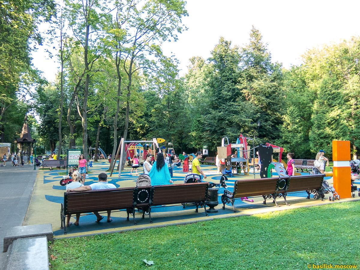 Детская площадка. Парк Останкино. Москва. Август 2017