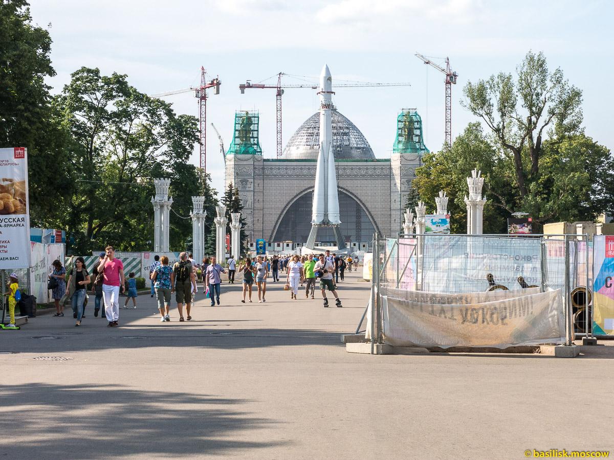Павильон Машиностроение. Прогулка по ВДНХ. Москва. Август 2017