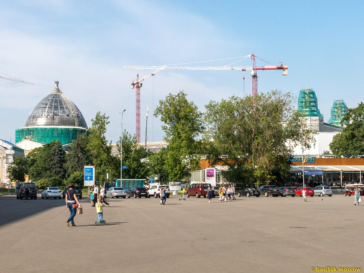 Прогулка по ВДНХ. Москва. Август 2017