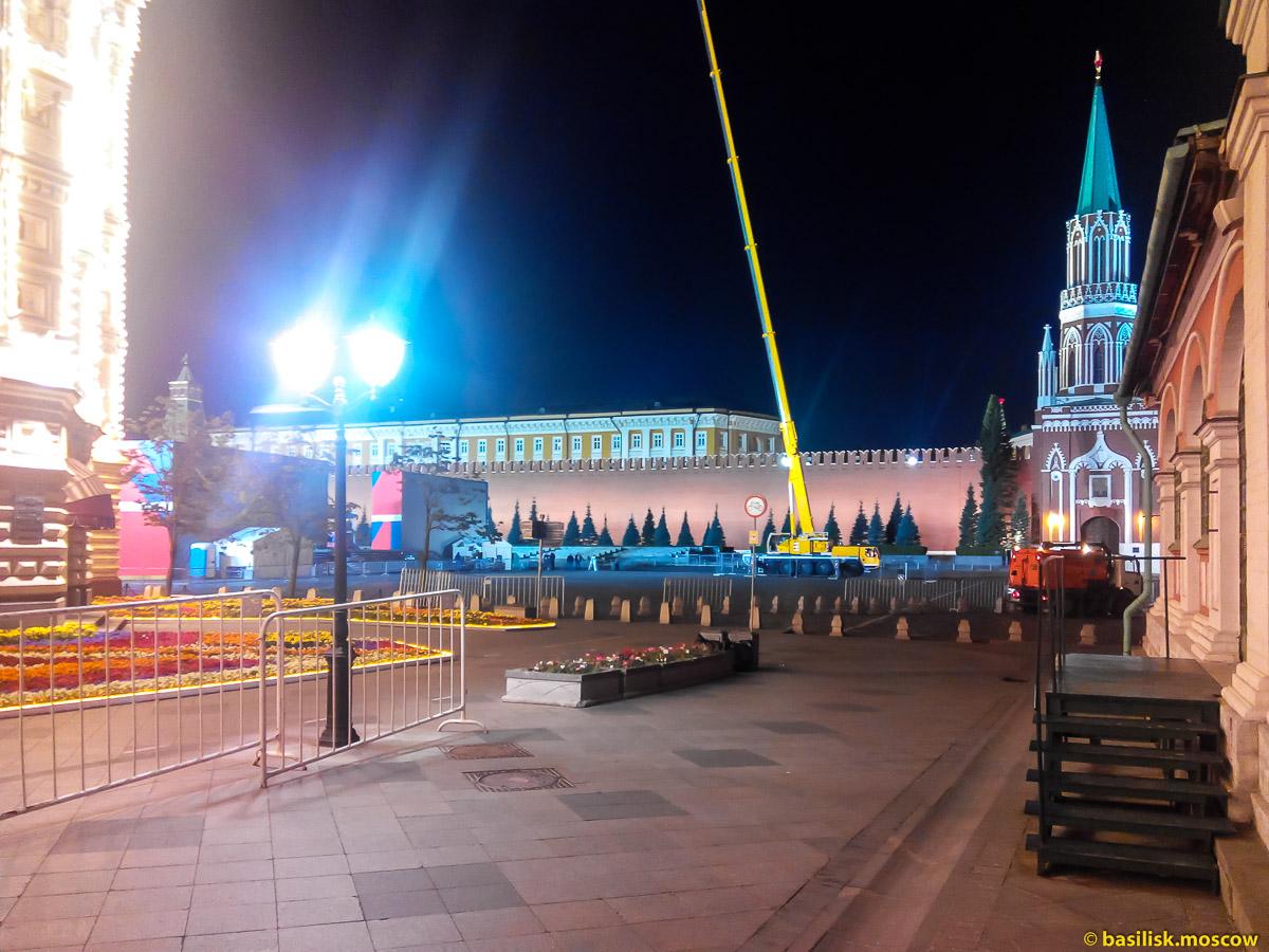 Ночные работы на Красной площади. Москва. Июль 2017