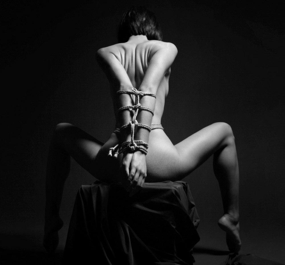 handjob-black-and-white-bondage-gallery-purity