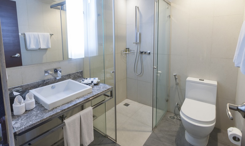 A shower with functional massage element provides the desired wellness factor. (#01)