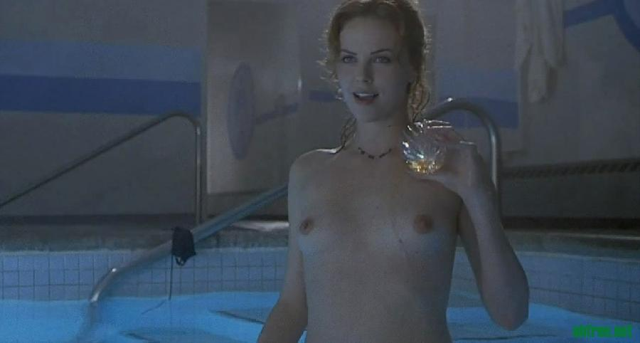 gallery_with_beautiful_charlize_theron_20