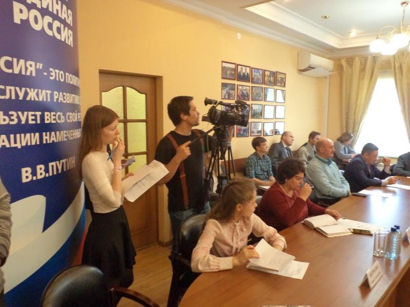 Также на освещение круглого стола пришли представители СМИ.JPG