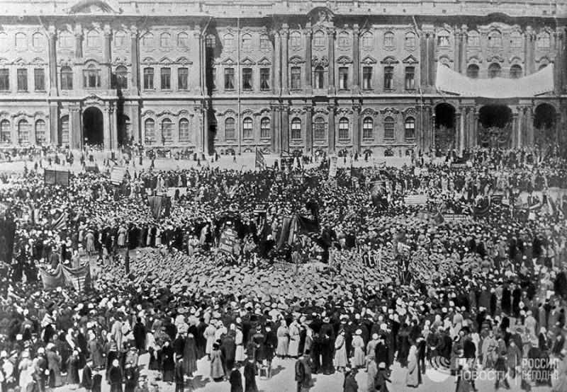 Демонстрации в 1917 году 03.jpg