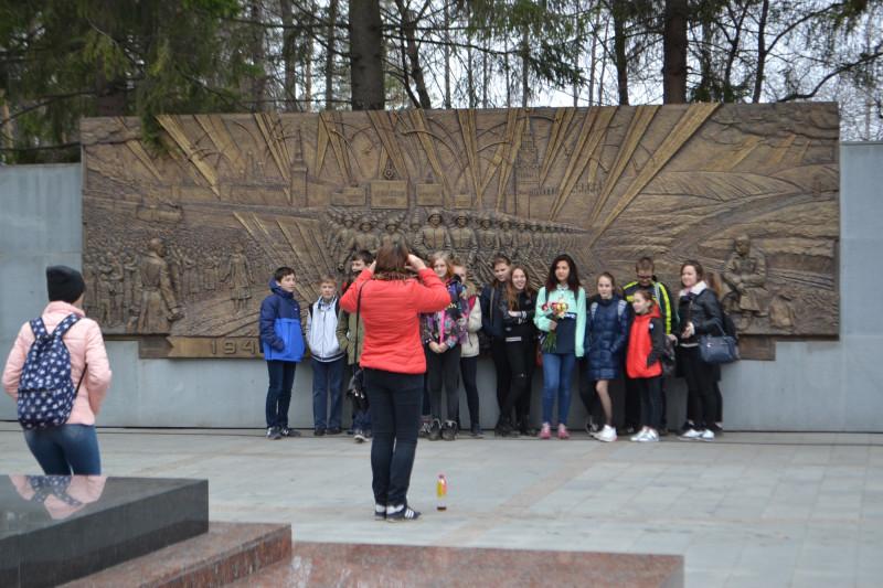 Организованные экскурсии на Широкореченском мемориале.JPG
