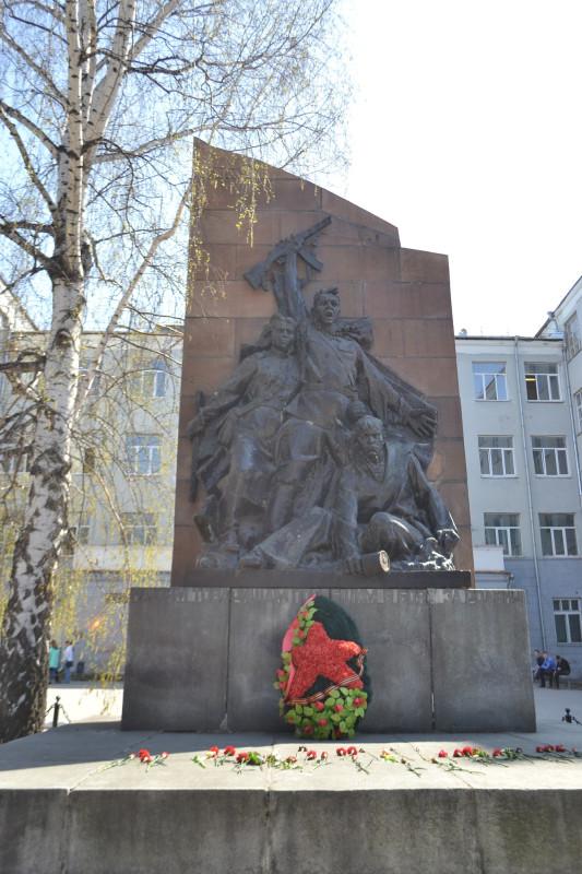 Преподавателям и студентам  Уральского политехнического института погибшим на фронте.JPG