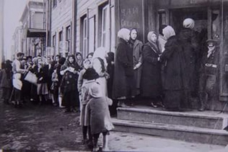 Дефицит продуктов в Петраграде в феврале 1917 года.jpg
