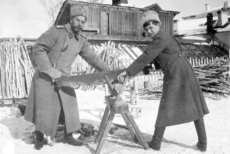 Николай и Алексей в Тобольске.jpg