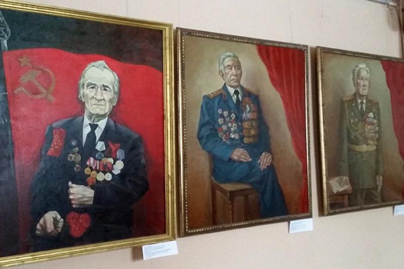 Выставку портретов ветеранов ВОВ художника Василия Заплатина.jpg