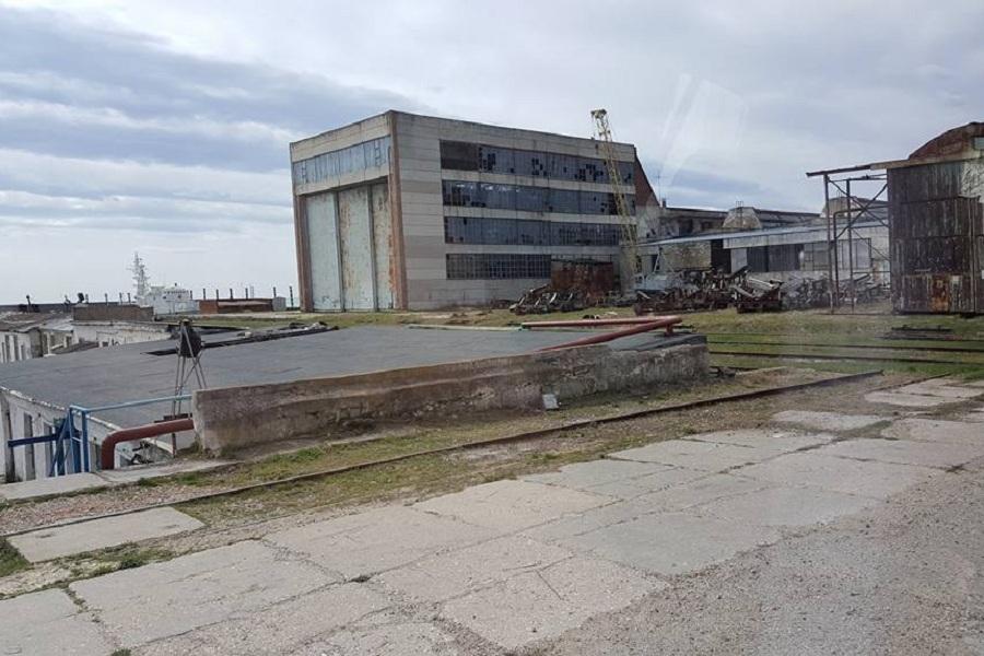 Завод в Феодосии.jpg