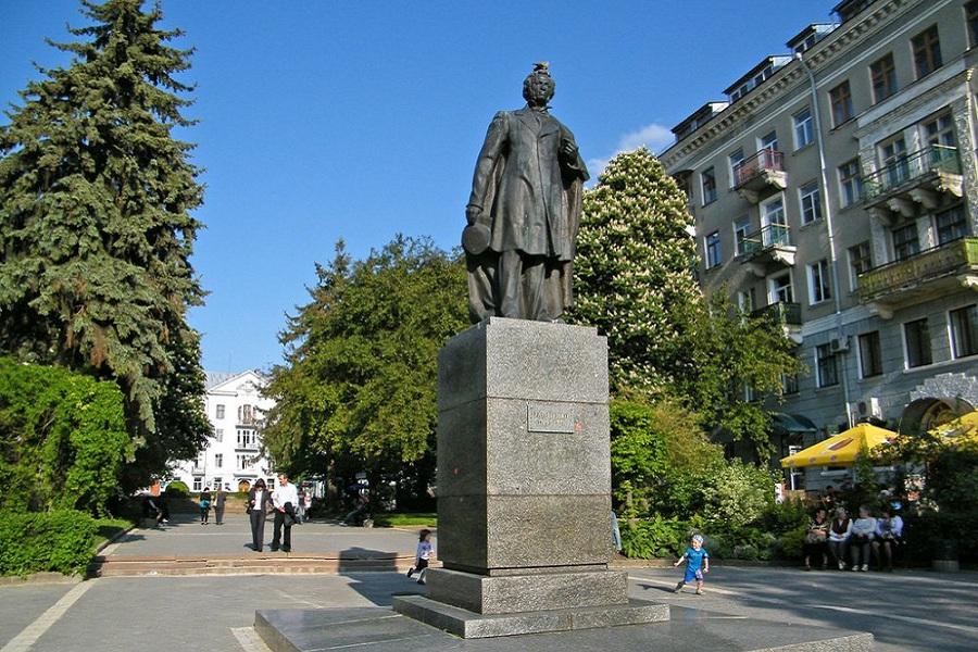 Пушкин в Тернополе.jpg