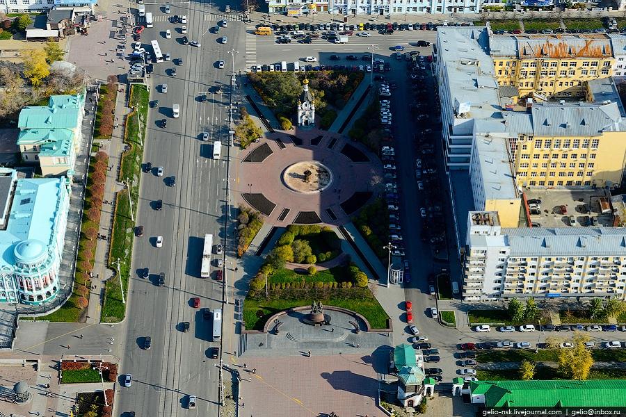Екатеринбург площадь Труда.jpg