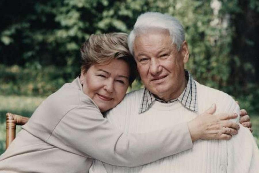 Ельцин с супругой.jpg