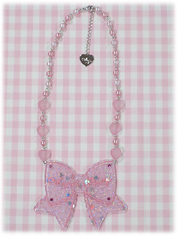ap_necklace_throbbingribbon_color