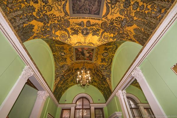 Фантастические потолки дома Тарасова на Спиридоновке (часть 1)
