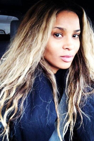 elle-10-celebs-no-makeup-selfies-ciara3-v-lgn