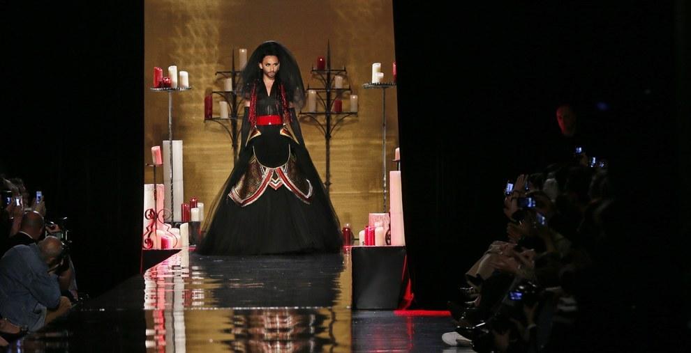 Кончита Вурст стала невестой на показе Жана-Поля Готье
