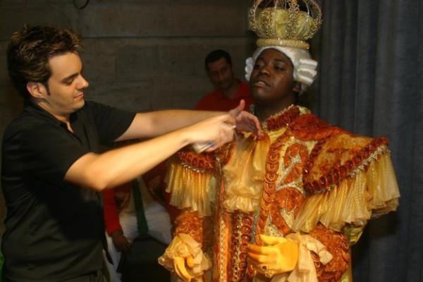 Безумная мода: платья из презервативов как способ борьбы со СПИДом