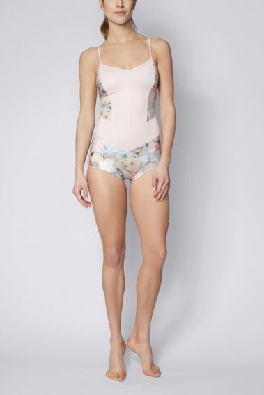 Дэвид Линч стал дизайнером женского спортивного белья