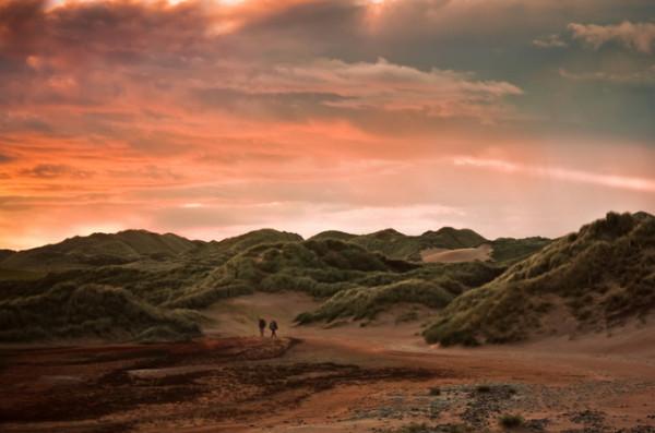 Девушки на фоне пейзажей: фотограф Elizabeth Gadd