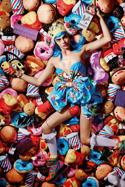 Cara Delevingne утонула в конфетах: Love Magazine Fall/Winter 2014-2015