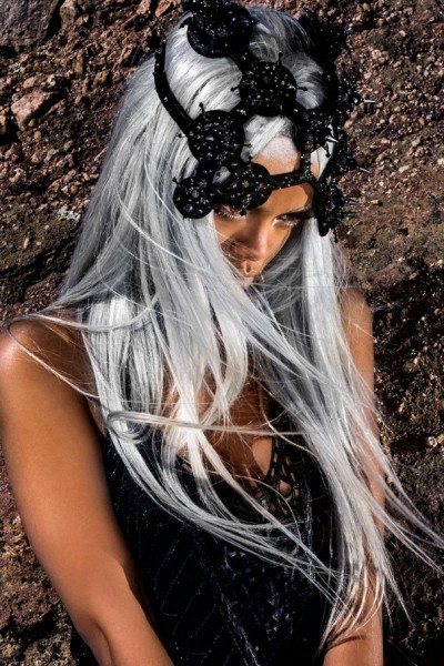 Рианна-блондинка в Tush Magazine 2