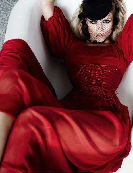 Natasha-Poly-Vogue-Paris-Mario-Testino-11