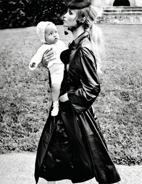 Natasha-Poly-Vogue-Paris-Mario-Testino-12