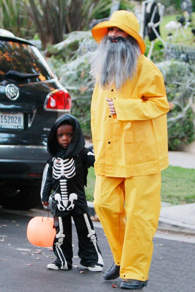 Самые необычные костюмы звезд на Хэллоуин