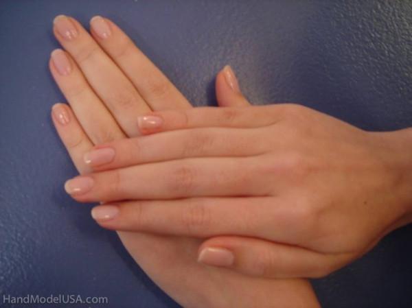 Необычная профессия: модель рук