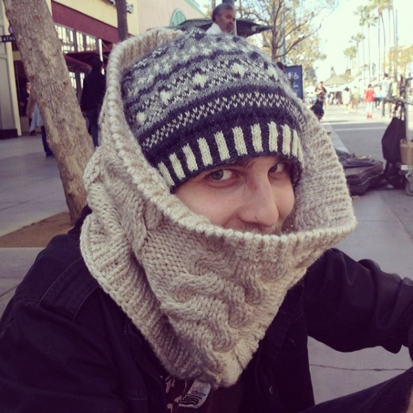 Как из свитера сделать кучу полезных теплых и милых сердцу вещей