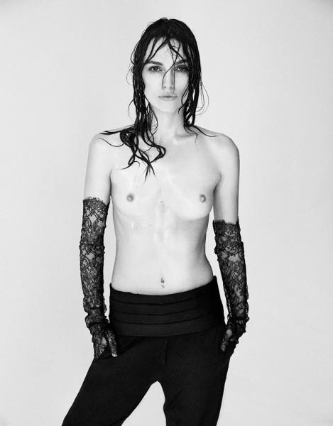 Как это развидеть: Кира Найтли с обнаженной грудью против Ким Кардашьян с обнаженным задом