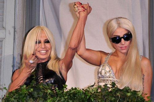 Леди Гага - новое лицо Версаче, или связи решают все?