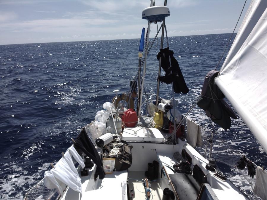 мы замечтались покачиваясь в лодке на волнах